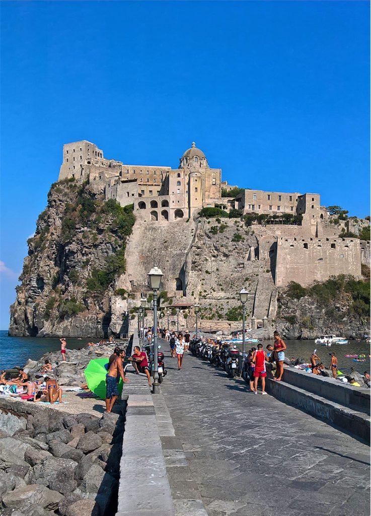 Viaggio a Ischia, vacanza al mare in famiglia