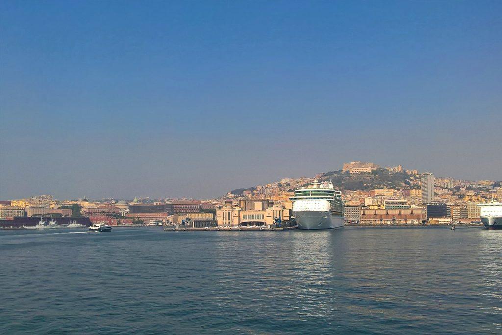Viaggio a Napoli, pizza e granite in famiglia